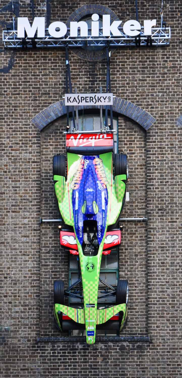 3sixtywraps_race-car-wraps_gallery_19_kaspersky